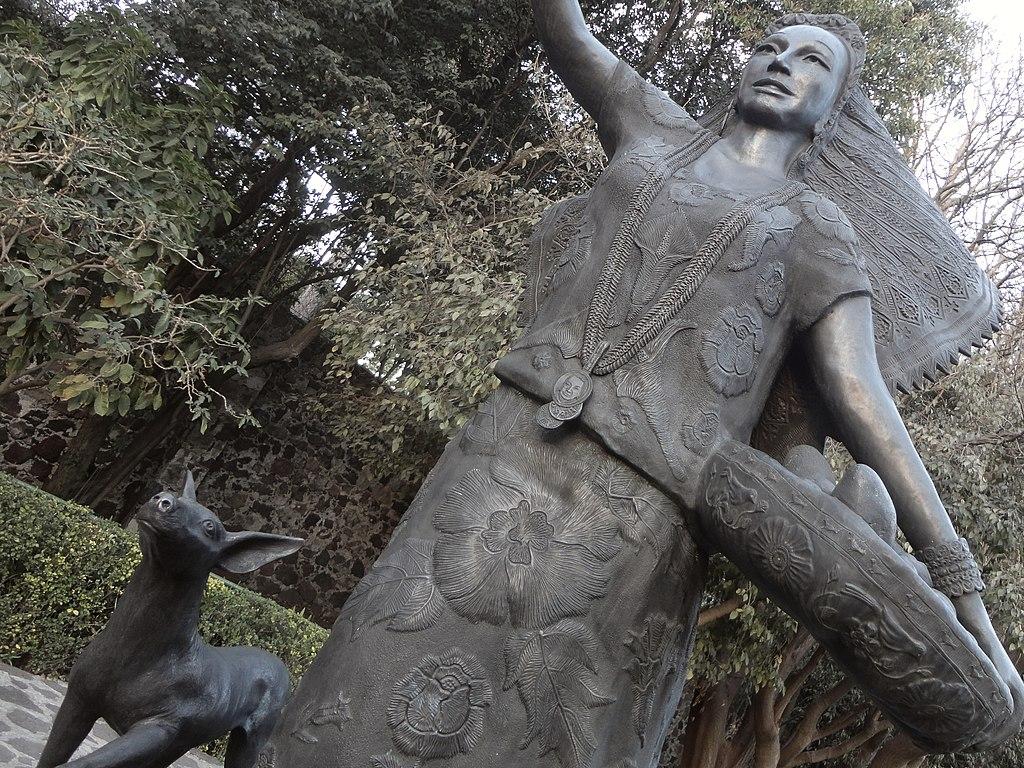 Statue of Dolores Olmedo Patiño at the Dolores Olmedo Museum, photograph by Juan Carlos Fonseca Mata