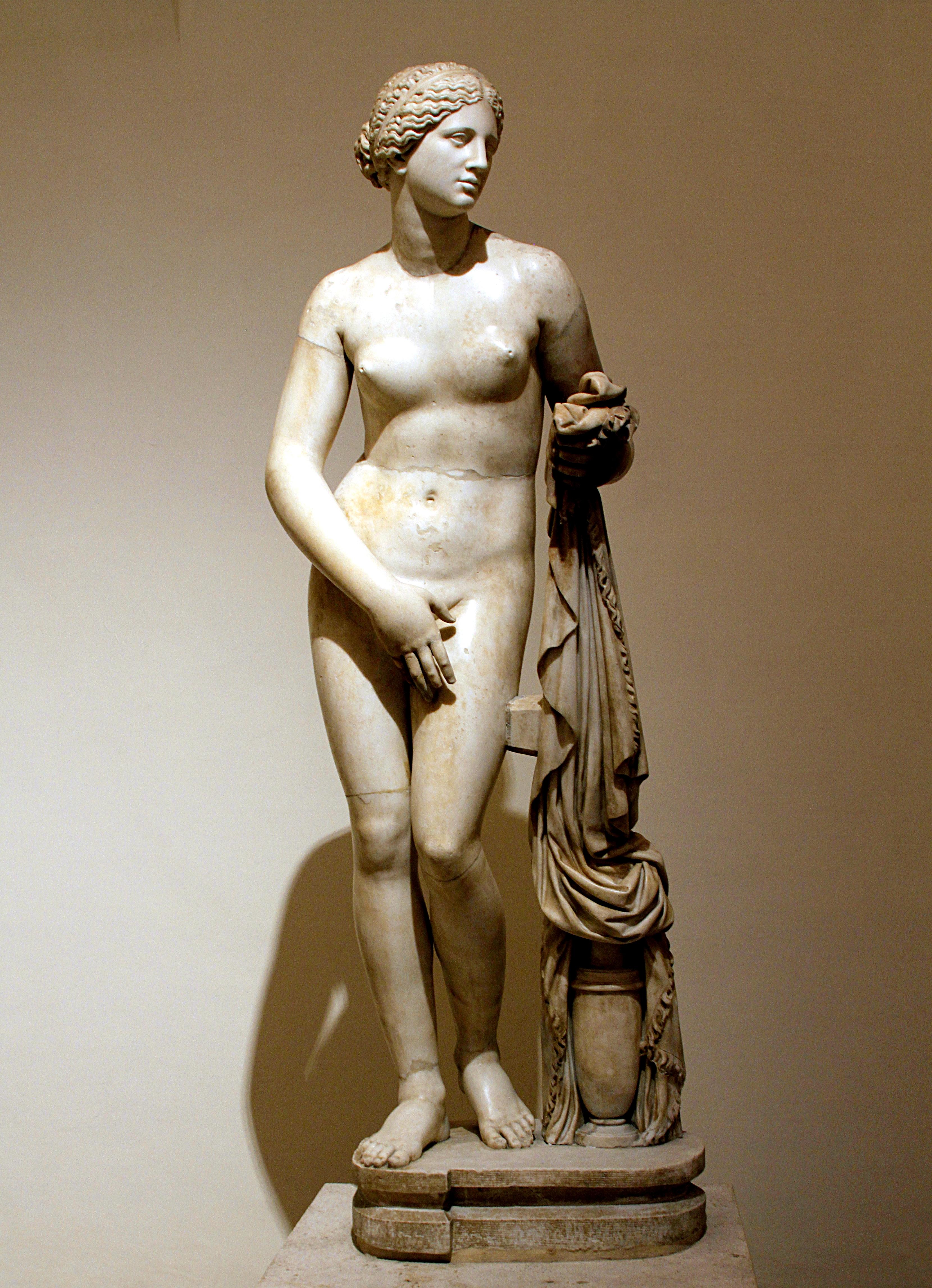 Aphrodite Knidos (Cnidus), Praxiteles of Athens around the 4th century BC
